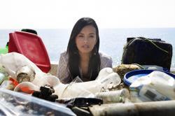 Tonutí v plastovém moři obrazok