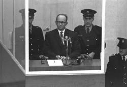 Nacističtí váleční zločinci před německými soudy