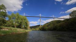 Millau Viadukt- most v oblacích obrazok