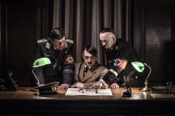 Hitler a jeho stoupenci zla obrazok