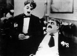 Chaplin na kolieskových korčuliach