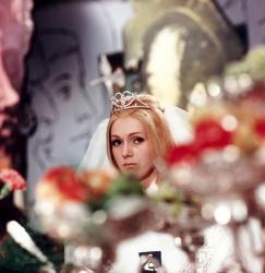 Šíleně smutná princezna obrazok