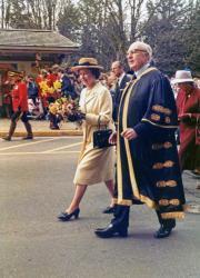 Královské návštěvy 20. století obrazok