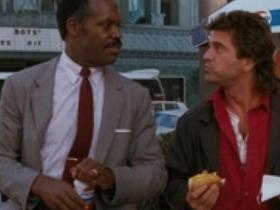 Záber z filmu Smrtonosná zbraň